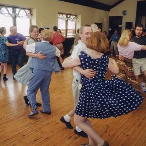 A-DANCING-SF-00-dancers-300x300